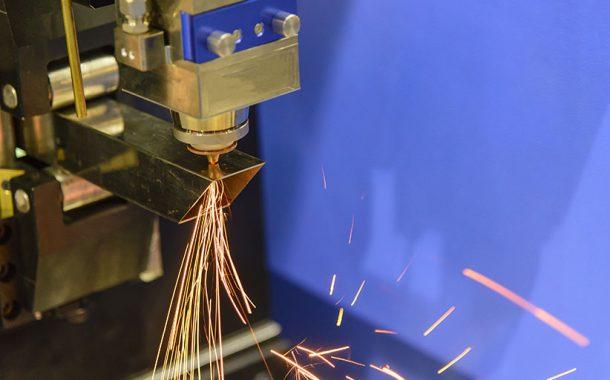 3 unterschiedliche Methoden, um Metallrohre zu schneiden